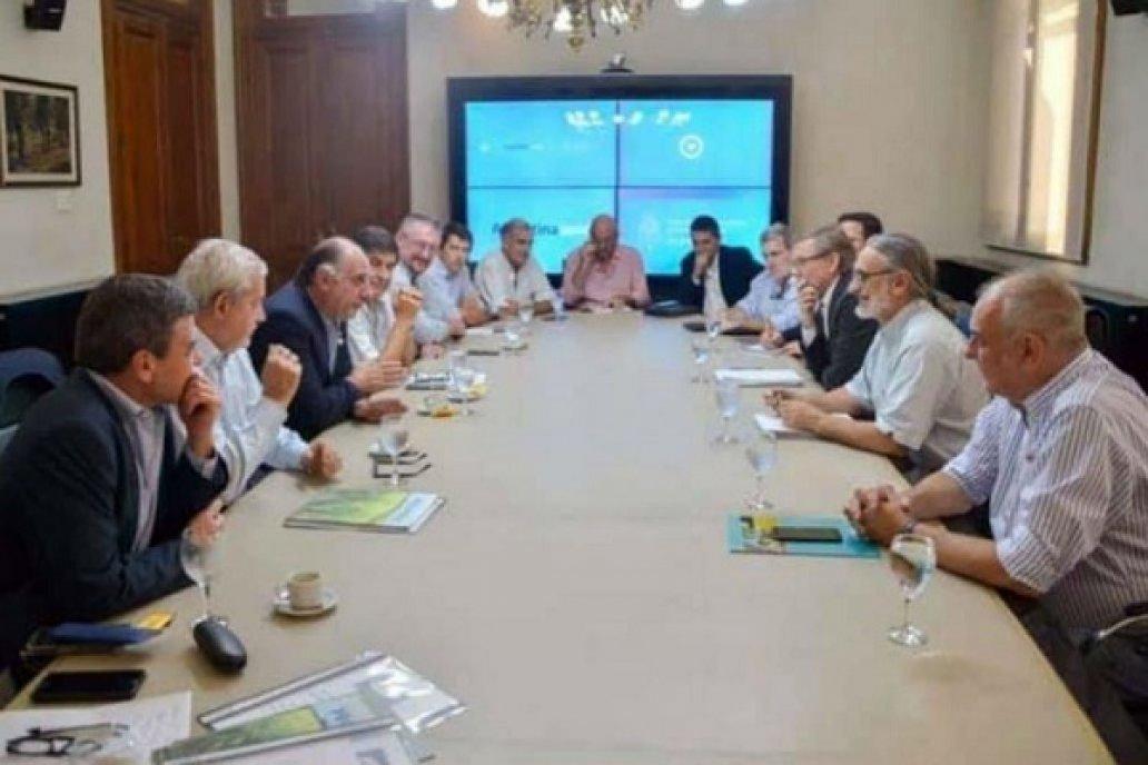 El ministro Luis Basterra se reunió con el sector arrocero Crédito: Gentileza