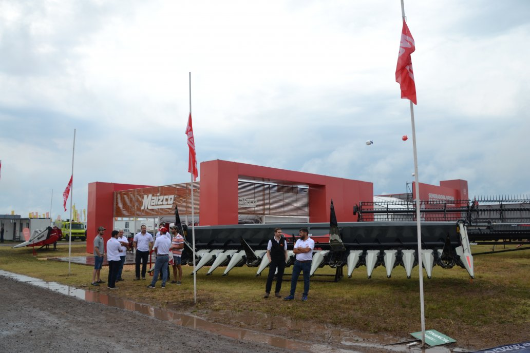 Maizco  presente en ExpoAgro con el nuevo Cabezal Maicero SGS RowFree