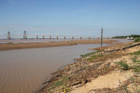 Bajante del río Paraná: se redujo 25% la producción de agua potable en Chaco