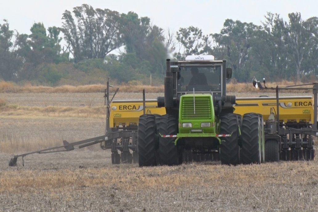 Esta semana volverán las sembradoras a la acción, tras unos días de descanso.