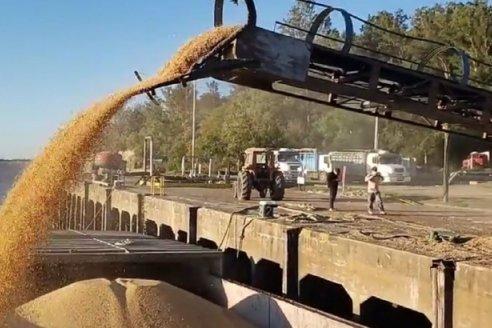 Nuevo embarque de cereal desde el Puerto Márquez en La Paz