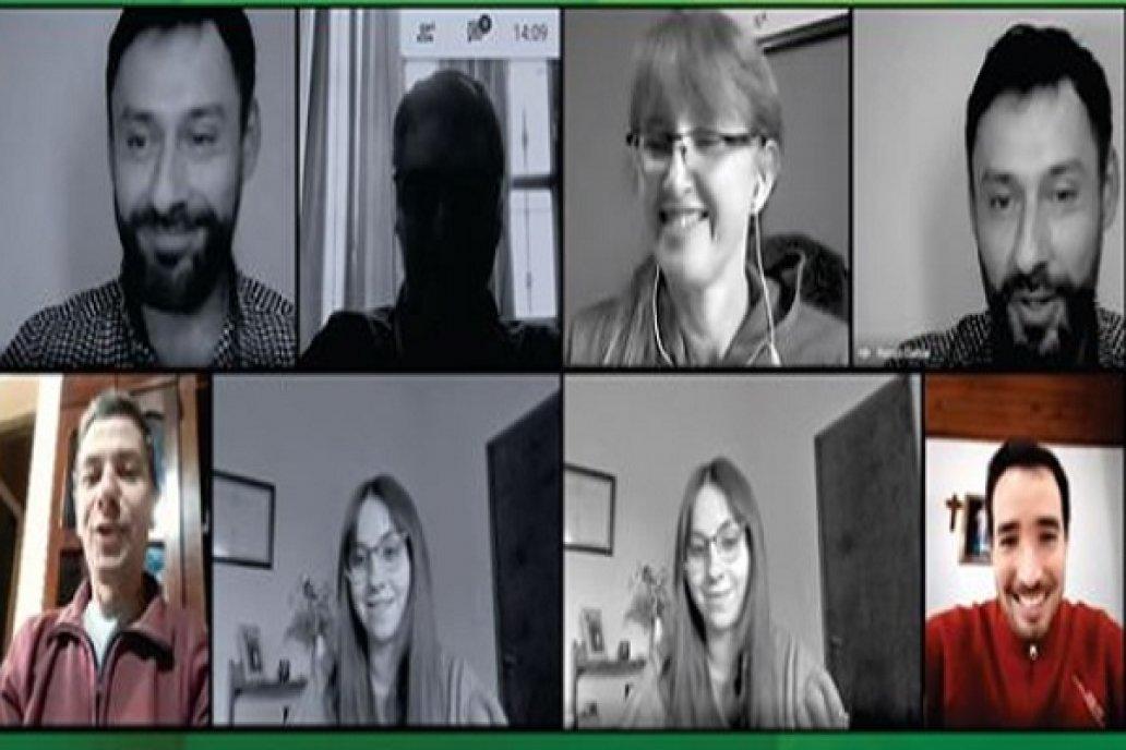 Primeros egresados de la #FCAUNER en recibirse a través de exámenes virtuales