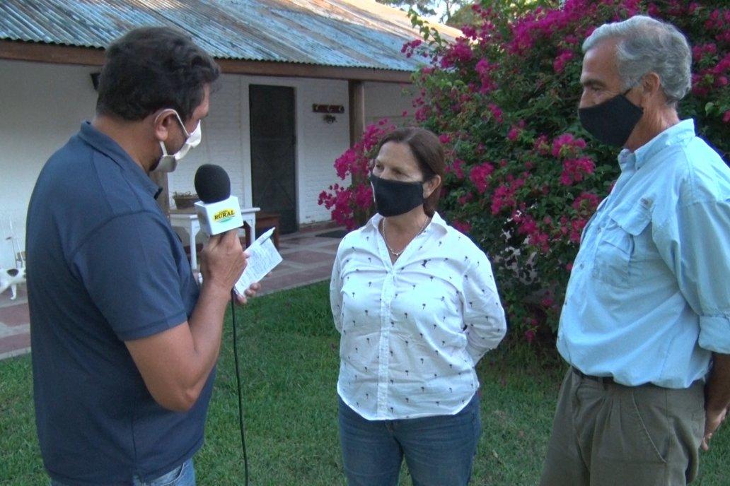 María Luisa Sarda y su esposo Horacio Estéves, en la visita de Campo en Acción.