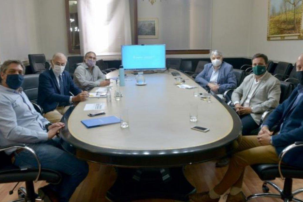 Dirigentes de ACA y AFA se vieron este jueves con el ministro Basterra.