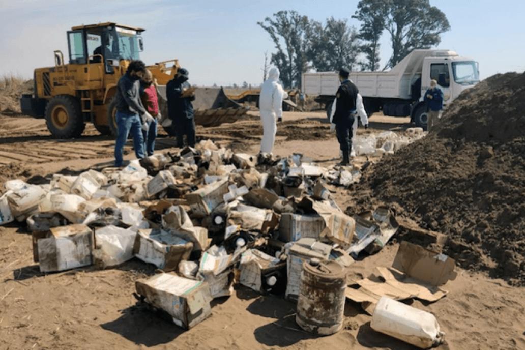 La firma FerroExpreso multada por enterrar más de 400 bidones