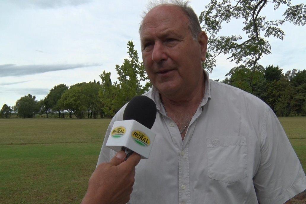 Pedro Brandi, el anfitrión. Mostró el tambo y el impacto que genera en la zona.