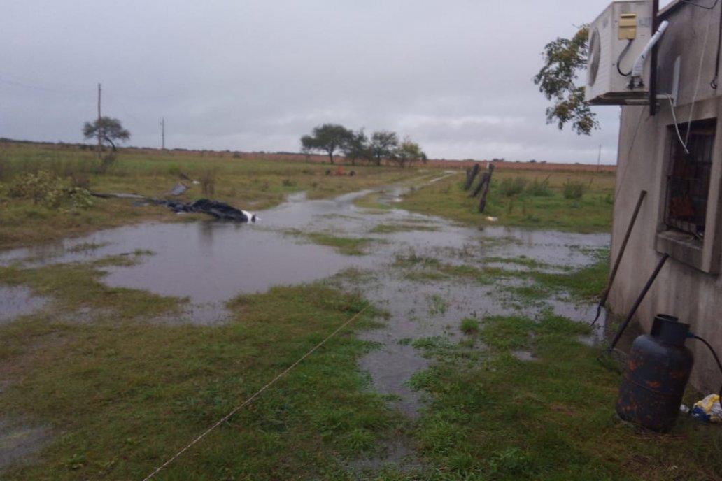 Hasta la madrugada del viernes hay peligro de aguacero en la región.