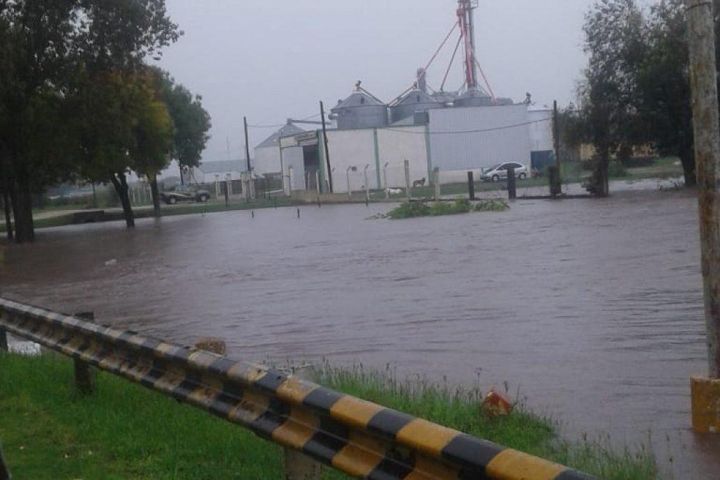 El acceso a Viale está dominado por el agua.