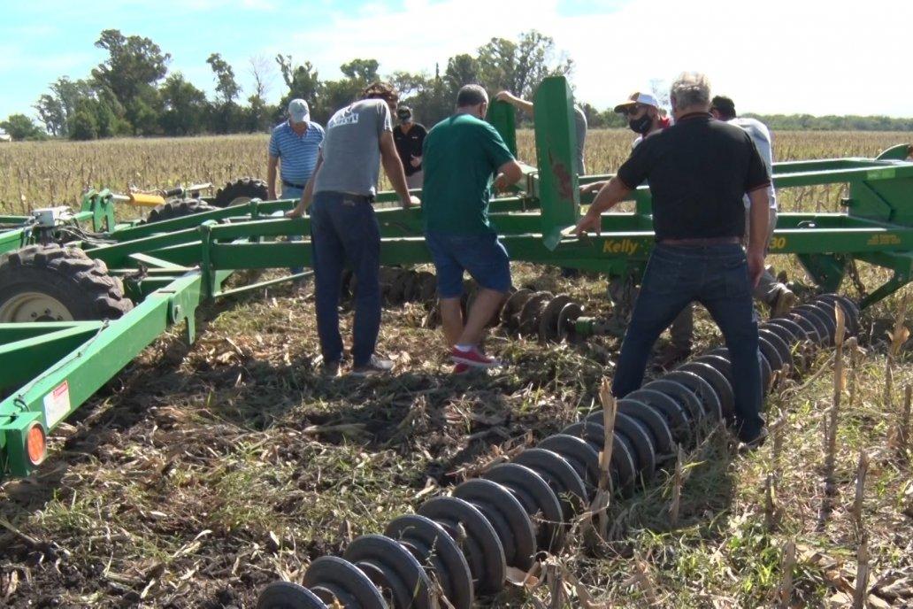 El implemento, de nueve metros, probó su eficiencia en suelos entrerrianos.