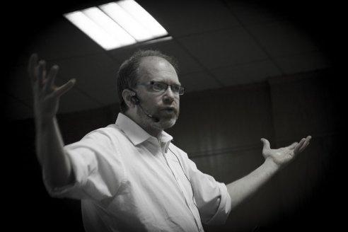 """Golombek: """"Estoy incompleto si no comunico mi ciencia y la de otros"""""""