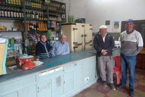 Schenone, el almacén de campo con sus puertas abiertas desde 1952 cerquita del arroyo Espinillo