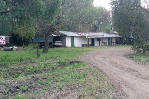 Almacén Medina, el punto de encuentro de la familia rural en Colonia La Mora