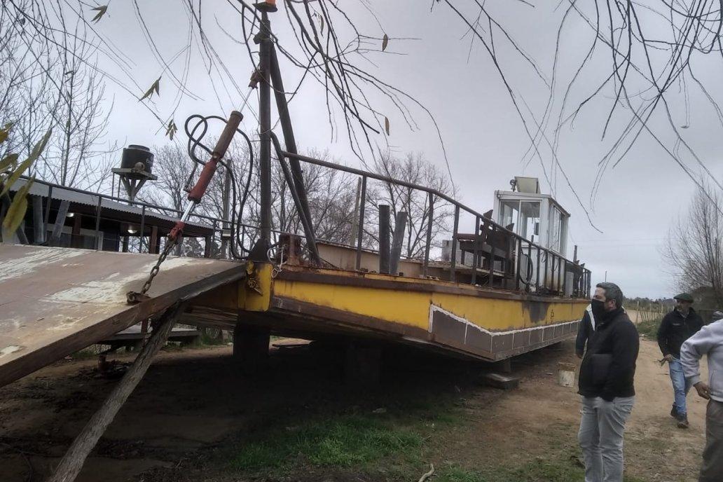 La embarcación quedó fuera de servicio en mayo y la plata para arreglos no llega